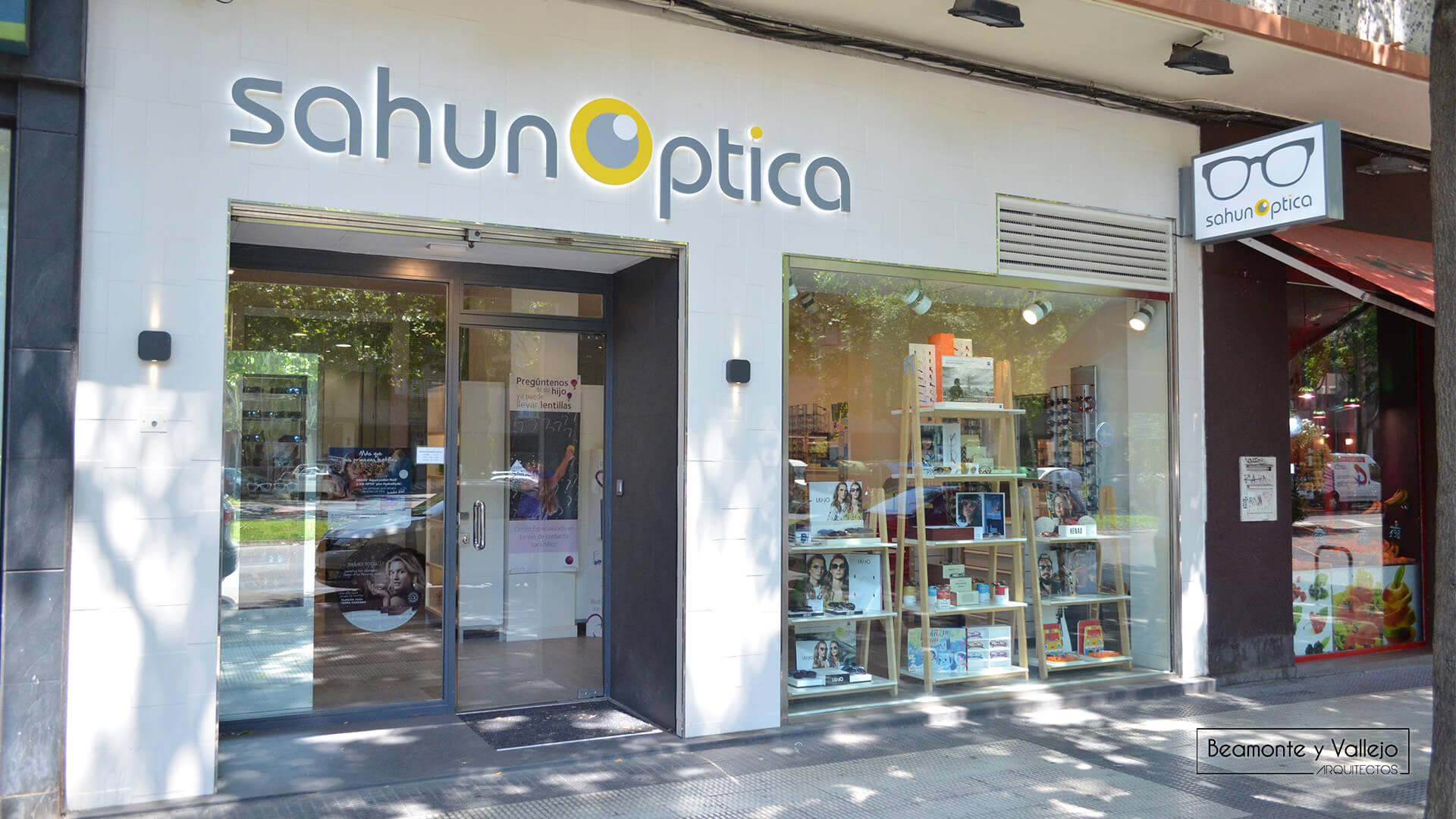 Beamonte y Vallejo arquitectos - SahunOptica, 1